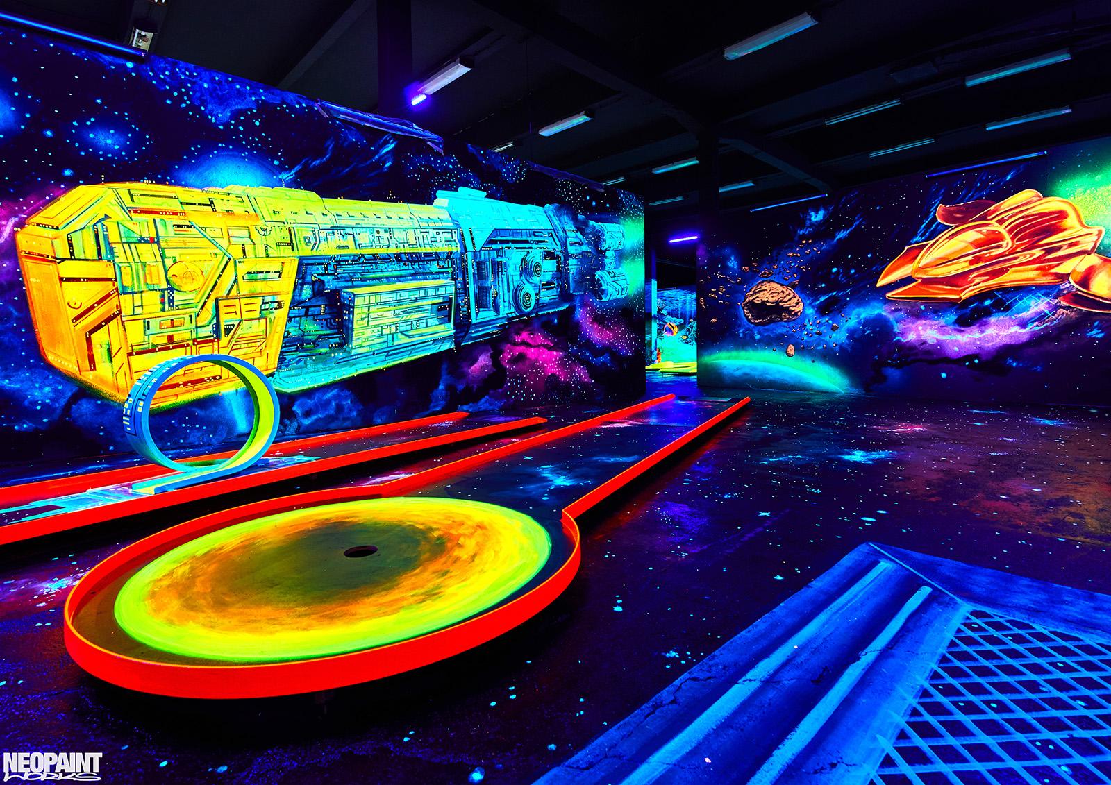 UV festés - fluoreszkáló festmény - neopaint works - űr
