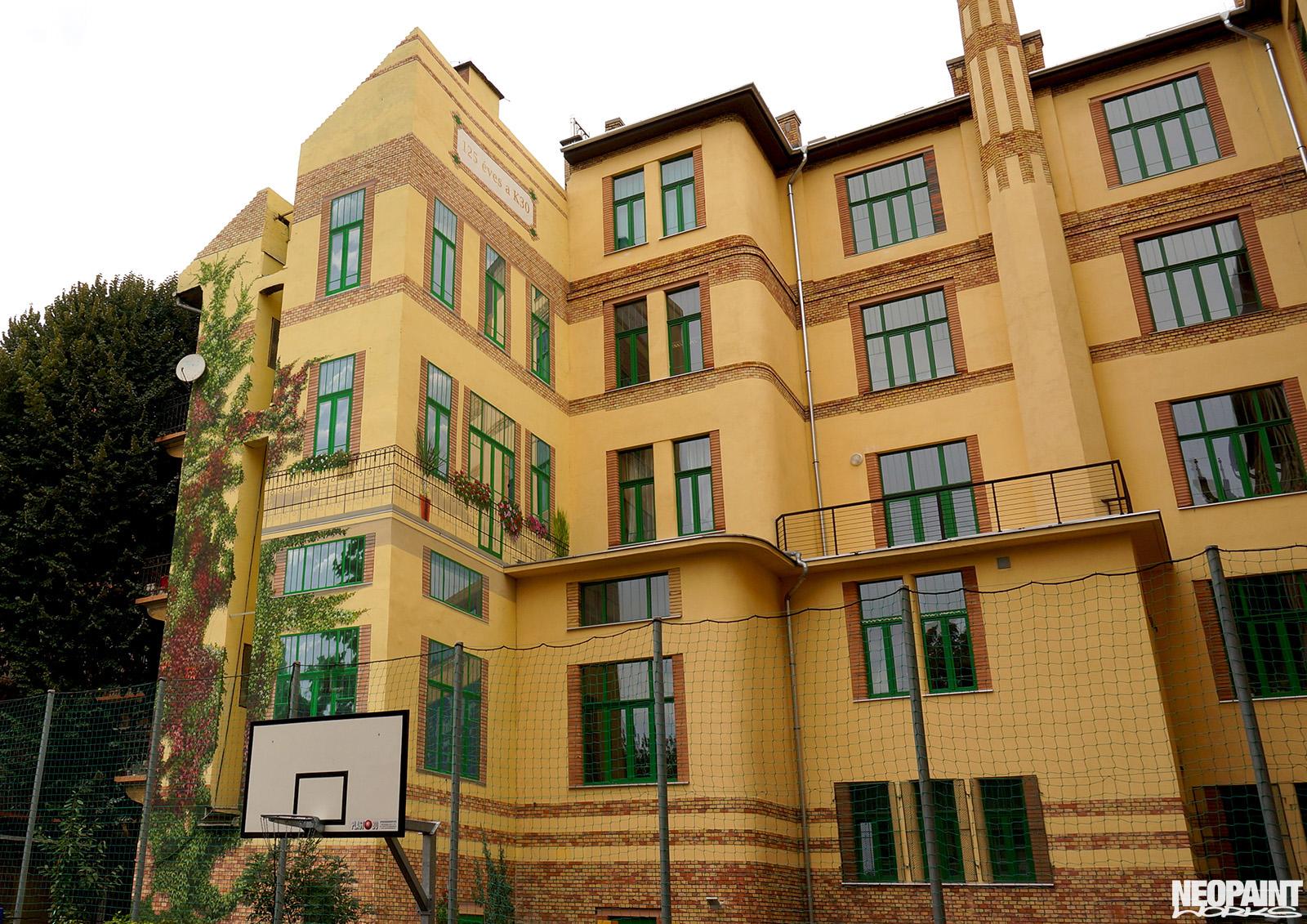 neopaint works - épület dekorfestés - iskola belső udvar